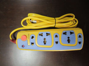 Electric Extension Socket No. E04 with 5 Outlets pictures & photos