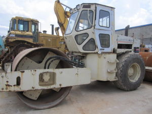 High Quality of Used SD100d Road Roller pictures & photos