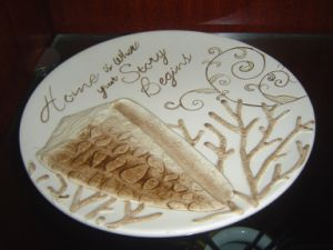Ceramic Round Plate with Hand Painted Pattern pictures & photos