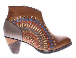 Chic Flower Cutouts Leather Western Inspired Ankle Boots pictures & photos