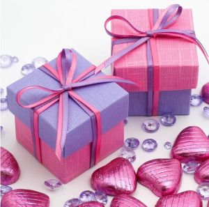 Wholesale Paper Box for Gift/Cosmetic/Jewelry/Shopping pictures & photos
