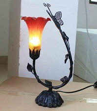 Tiffany Art Table Lamp 640 pictures & photos