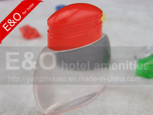 30ml Hotel Shampoo Bottle with Special Plastic Cap pictures & photos