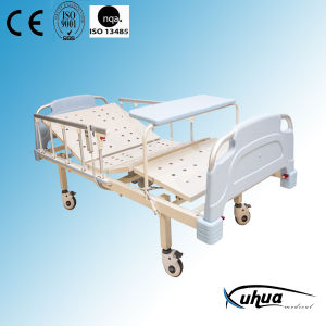 Two Functions Electric Medical Patient Bed (XH-15) pictures & photos