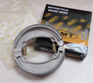 Brake Shoes Dt175 GS Bajaj, Motorcycle Parts Motorcycle Rear Brake Shoes pictures & photos