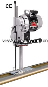 Straight-Line Textile Cutting Machine Industrial Sewing Machine (CZD-3L) pictures & photos