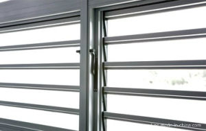 Residential Security Laminated Glass Louver Window pictures & photos