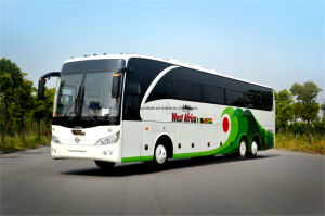 Professional Supply Luxury Bus Long Coach of 6*2 6 Wheels pictures & photos