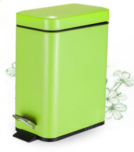 Round Pedal Dustbin for Room (KL-012) pictures & photos