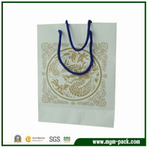 Classical White Paper Shopping Bag with Dragon Pattern pictures & photos