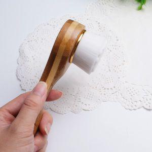 New Bamboo Long Facial Massage Cleansing Brush Facial Brush pictures & photos