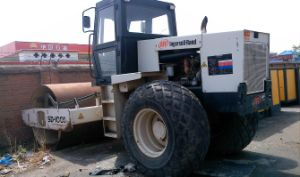 Used Ingersoll Rand Vibratory Roller SD100, 15ton Compactor for Sale pictures & photos