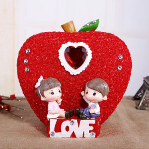Lovers Sculpture Resin Decoration Wedding Gifts Adornment pictures & photos