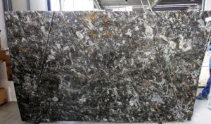 Cosmus Gold Black Granite/Quartzite/Marble Kitchen/Bathroom/Soapstone/Solid Surface Wholesale  Polished Granite Slabs pictures & photos