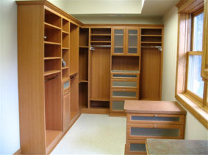 Ritz Bedroom Furniture Simple Solid Wood Wardrobe Closet pictures & photos