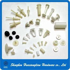Many Types Plastic Nylon Fasteners Chicago Screws Pop Blind Rivet pictures & photos