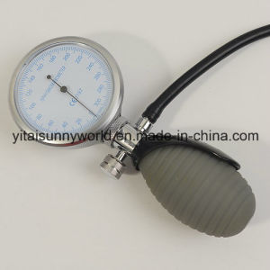 Sphygmomanometer with PVC Ribbed Bulb pictures & photos