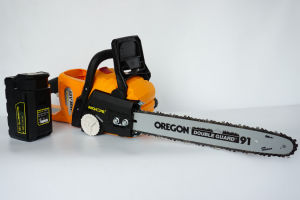 Cordless Chain Saw with 4ah Battery Power Tools Chainsaw pictures & photos