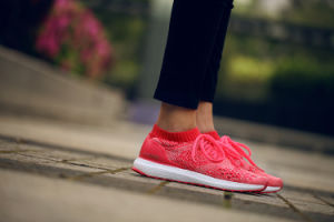 Ultra Boost Uncaged Ray Red Pink Womens Size 6-9 pictures & photos