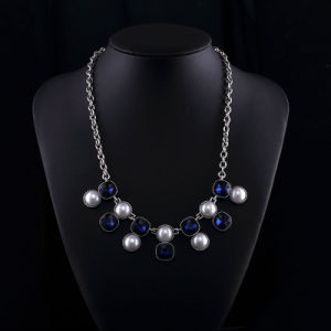 Sappire Crystal and Big Pearl Fashion Zinc Alloy Neckalce Set pictures & photos