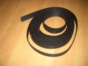 Extruded Rubber Strip Rubber Bumper Strip pictures & photos