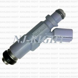 Denso Fuel Injector 23250-70120 for TOYOTA, LEXUS pictures & photos