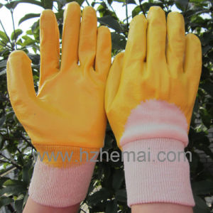 NBR Gloves Half Yellow Nitrile Dipped Gloves Safety Work Glove pictures & photos