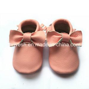 Wholesale Soft Sole Fancy Cartoon Infant Newborn Baby Shoes pictures & photos