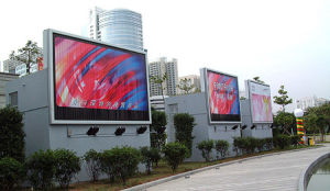 P10 Outdoor LED Digital Signs pictures & photos
