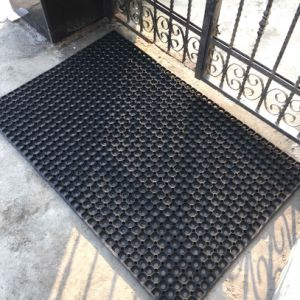 Indoor Outdoor Holes Hollow Embossed Entrance Welcome Recycled Rubber Doormats pictures & photos