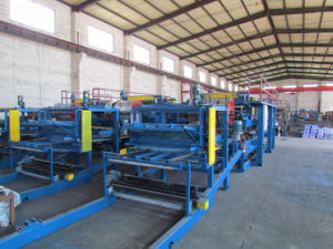 EPS/Wool Sandwich Panel Roll Forming Machine pictures & photos