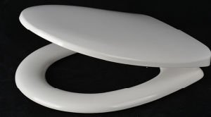 Universal Size Polished White Color Duroplast Slow Down Toilet Seat pictures & photos