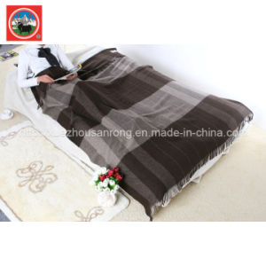 Yak Wool Striped Blanket/Cashmere Fabric/Camel Woo Textile/Bed Sheet/Bedding pictures & photos