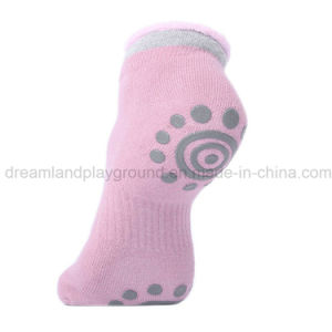 Wholesale Customized Trampoline Grip Socks Manufacturer pictures & photos