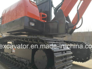 Factory Outlet China Red Mini Excavator Machine 5.5t for Sale pictures & photos