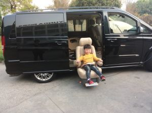 China Car Swivel Seat and Turning Seat for Van and Minivan pictures & photos