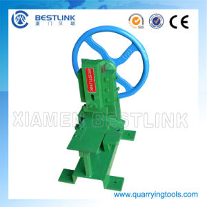 Protable Mosaic Cutting Machine with Good Price pictures & photos
