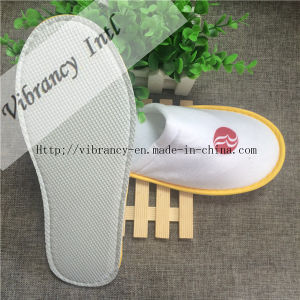 Good Quality Hotel Velvet Close EVA Embroidery Logo Cloth Wrapping Slipper pictures & photos