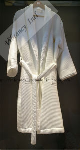 New Style Hotel Embroideried Pocket Waffle Bathrobe pictures & photos