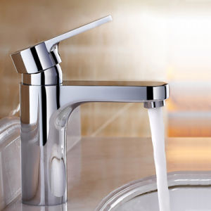Contemporary Brass Sanitary Single Handle Deck Mounted Mixer Bathroom Faucet pictures & photos
