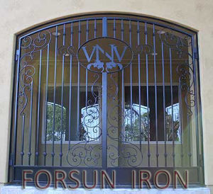 Top Selling Wrought Iron Doors for Residential and Commercial Use pictures & photos