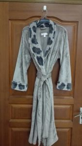 Ladies′ Robe