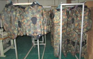 Camouflage Style Diving Suit with Lycra Fabric (HX84112) pictures & photos
