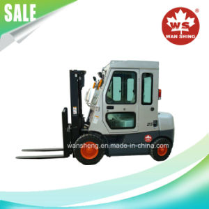 2.5 Ton Diesel Forklift with Cab pictures & photos