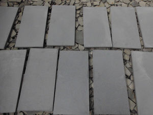 China Good Quality Grey Basalt Bluestone Tile pictures & photos