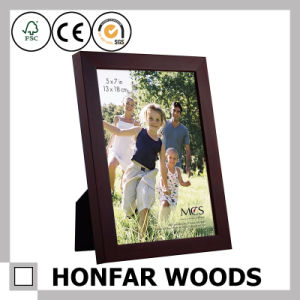 "5""X7"" Classic Brown Wood Standing Picture Photo Frame pictures & photos"