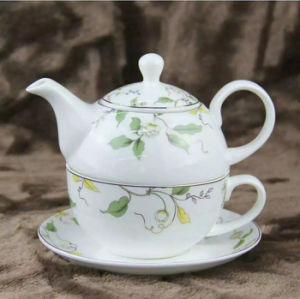 Bone China Teapot and Cup for coffee and Tea pictures & photos