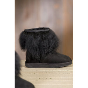 Women′s Roxanne Sheepskin Boots with Tibetan Wool Trim pictures & photos