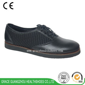 Elder Comfort Shoes Light Weight Rubbersponge Outsole Leather Shoes pictures & photos