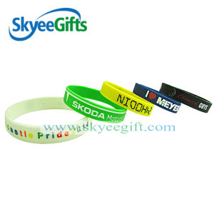 China Manufacture Debossed Silicone Wristband&Bracelet for Sport Gift pictures & photos